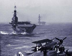 """HMS """"Victorious"""" i HMS """"Indomitable"""" w drodze na Maltę. Jeszcze zanim zaczęły się kłopoty..."""