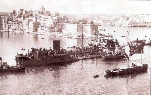 Na Maltę dotarły wyłącznie niedobitki potężnej armady.