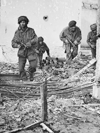Niewiele zabrakło, aby żołnierze brytyjskiej 1. Dywizji Powietrznodesantowej stali się mięsem armatnim w genialnym planie gen, Montgomery'ego .