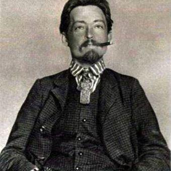 Młody Dzierżyński. To dopiero żigolak! (fot. Wikimedia Commons, domena publiczna).