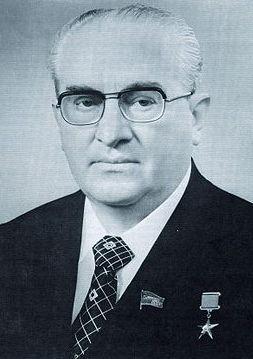 Jurij Andropow. Człowiek, który prawdopodobnie zlecił zabójstwo Breżniewa (źródło: wikimedia commons, domena publiczna).