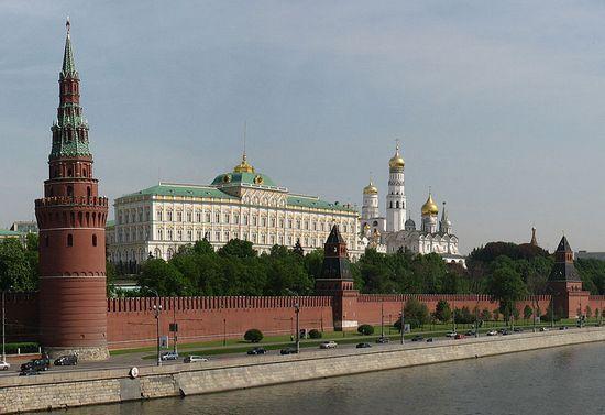 Dzień przed swoją śmiercią Leonid Breżniew spotkał się na Kremlu tylko z jedną osobą. Był nią Jurij Andropow. Kilkanaście godzin później radziecki dyktator już nie żył (fot. Julim; lic. CC ASA 1.0).