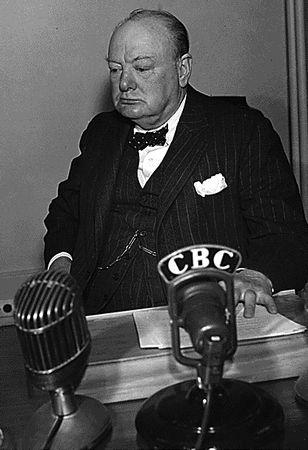 Churchill musiał zrobić podobną minę, gdy dowiedział się, że konferencja odbędzie się w Jałcie. Jego zdaniem kompletnie się ona do tego nie nadawała.