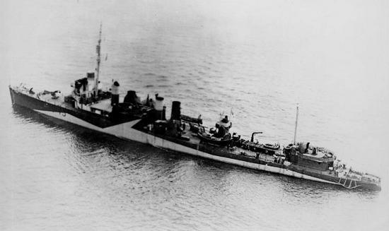 """Niszczyciel """"St. Albans"""". Stary i wysłużony amerykański okręt służący pod norweską banderą był drugim """"pogromcą"""" ORP """"Jastrząb""""."""