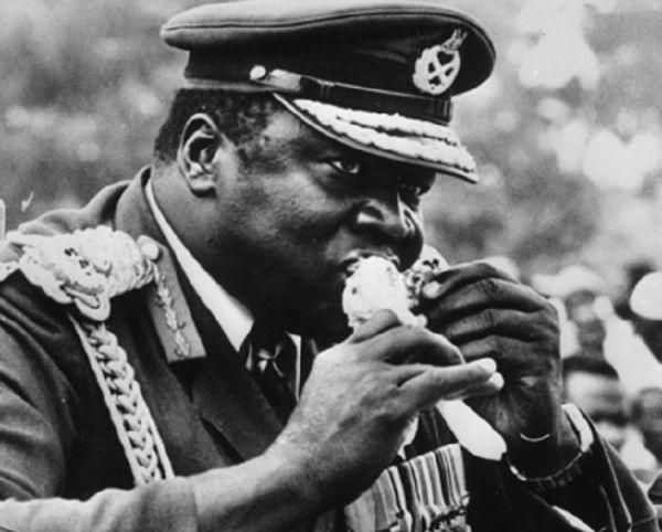 Bycie dyktatorem męczy. Jako prezydent Ugandy Idi Amin szybko przestał dbać o dietę...