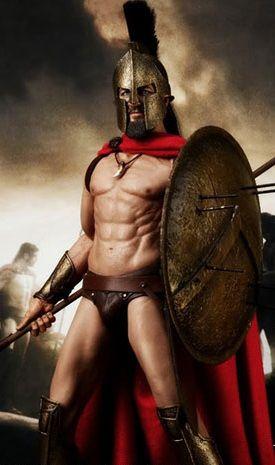 """Jurny i dorodny Spartanin. Idealny do płodzenia małych Spartaniątek. (Materiały promocyjne do filmu """"300"""")."""