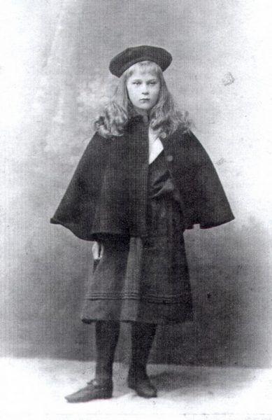 Profesorowa Zofia Kamińska zawziętość na twarzy miała wymalowaną od dziecka. Jak sobie postanowiła, że zostanie ułanem tak zrobiła.