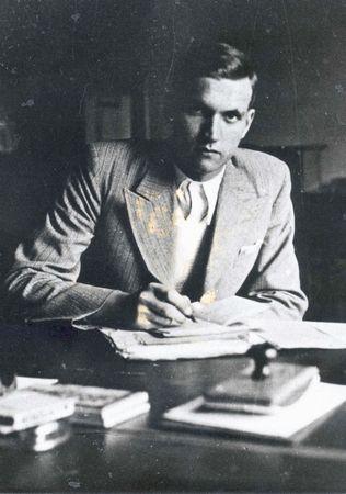 Jan Karski, najsłynniejszy kurier polskiego podziemia we własnej osobie na zdjęciu wykonanym w 1935 r. (źródło: Muzeum Historii Polski, dzięki uprzejmości Archiwum Instytutu Hoovera w Kalifornii).