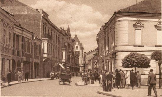 Nowy Sącz okazał się dla Karskiego szczęśliwym miejscem. Miał tu wielu znajomych z konspiracji, którzy nie zostawili go na pastwę losu.