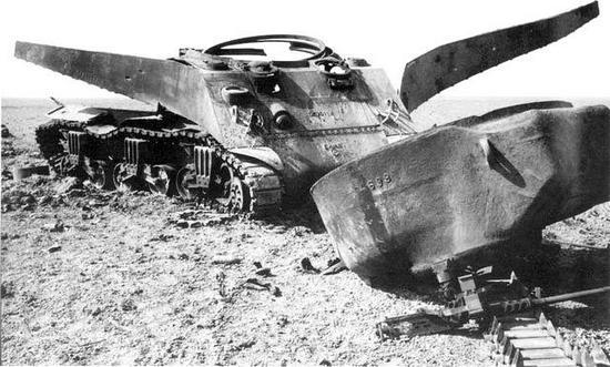 """W trakcie walk z Niemcami jednostki w których używano """"Ronsonów"""" ponosiły ogromne straty. Przykładowo w amerykańskiej 3. Dywizji Pancernej było to 580% stanu wyjściowego."""
