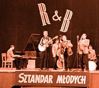 Koncert pierwszego polskiego zespołu bigbeatowego Rhythm&Blues. Tłum szalał, dziewczęta piszczały! Prawie jak chłopcy z Liverpoolu.