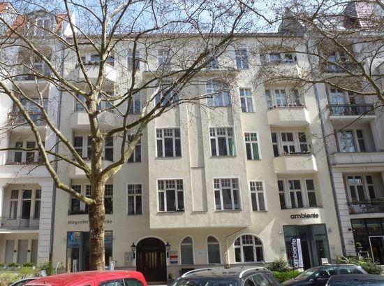 Kamienica przy Giesebrechtstrasse 11 w bielińskiej dzielnicy Charlottenburg. To w tym budynku mieścił się Salon Kitty. (fot. Peter Kuley; lic. CC ASA 3.0)