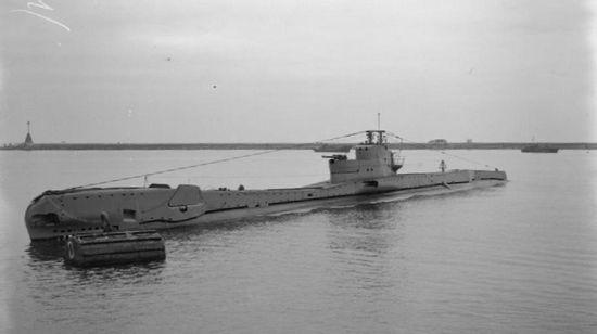 """HMS """"Torbay"""". Jeden z dwóch okrętów podwodnych, które posłużyły do przetransportowania komandosów mających wykonać akcję """"Flipper""""."""