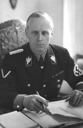 Niemiecki minister spraw zagranicznych Joachim von Ribbentrop również często bywał w przybytku Kitty Schmidt (źródło: Bundesarchiv; lic. CC-BY-SA).