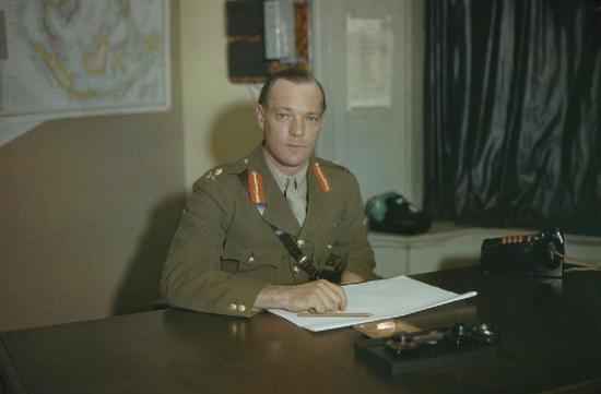 Robert Laycock wraz ze swoimi ludźmi zabezpieczał tyły i odwrót komandosów atakujących kwaterę Rommla (źródło: wikimedia commons, domena publiczna).