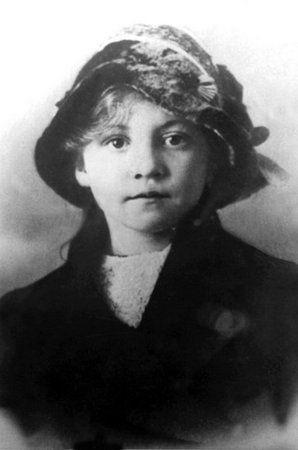 Christine Klein pierwsza ofiara Petera Kürtena.