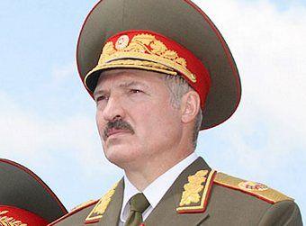 Aleksander Łukaszenka miłość do mundurów łączy z całkowitą pogardą dla demokracji (źródło: www.kremlin.ru.; lic. CC ASA 3.0)