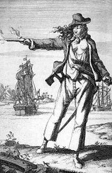 Dziewiętnastowieczna rycina przedstawiająca Anne Bonny. Dla podkreślenia faktu, że jedyną wskazówką odnośnie prawdziwej płci były jej piersi, na rycinie ma je obnażone.