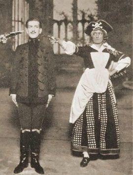 Tak wyobrażano sobie piratki w teatrze w 1919 roku. Z tym, jak wyglądały w rzeczywistości ma to niewiele wspólnego.