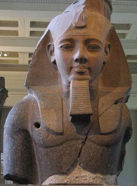 Ciekawe, kto był bardziej zdziwiony? Czy Ramzes Wielki, czy przejęty misją odtwarzania populacji Min? (zdjęcie opublikowane na licencji CCA-SA 3.0, autor: Nina)