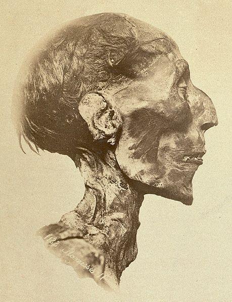 Gdyby Ramzes II został odnaleziony dwa wieki wcześniej mógłby skończyć jako maść...