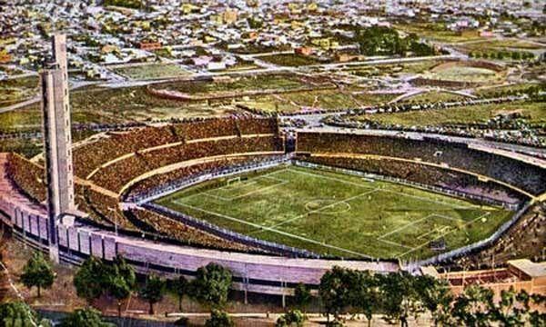 Stadion piłkarski w Montevideo wzniesiony w rok na mistrzostwa w 1930 r.