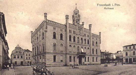 Ratusze we Fraustadt (Wschowie). Po zdobyciu Geyersdorf właśnie to miasteczko zostało ostrzelane przez polską artylerię w odwecie ze niemiecki atak na Leszno.