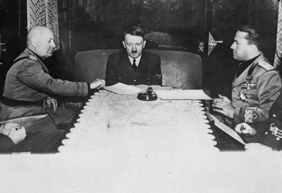 Początkowo Ciano (z prawej) optował za sojuszem włosko-niemieckim. Dosyć szybko jednak zmienił zdanie.