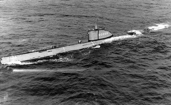 Niemcy wiązali wielkie nadzieje z nowymi okrętami podwodnymi. Szczególnie oceaniczny typ XXI miał zmienić losy wojny na Atlantyku. Na zdjęciu okręt właśnie tego typu.