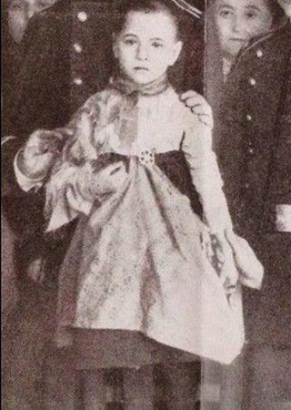 Teresita Guitart na zdjęciu zrobionym po tym jak została odnaleziona w domu Ripollés.